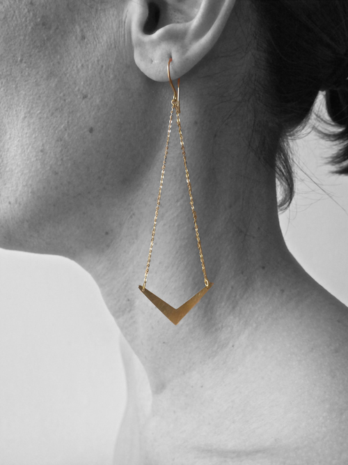 rosie-odette-jewellery-chain-arrow-earrings