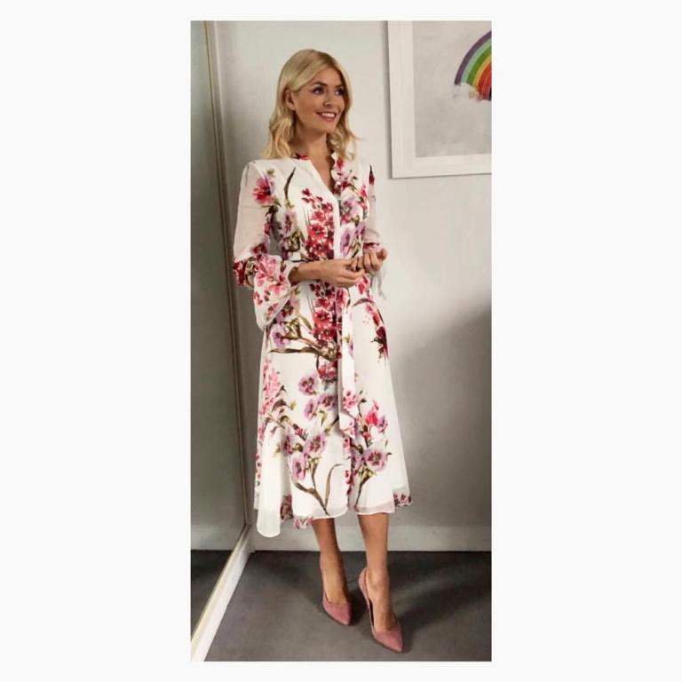 Holly Willoughby outfit blog pink blossom dress pink suede court shoes This Morning January 2018