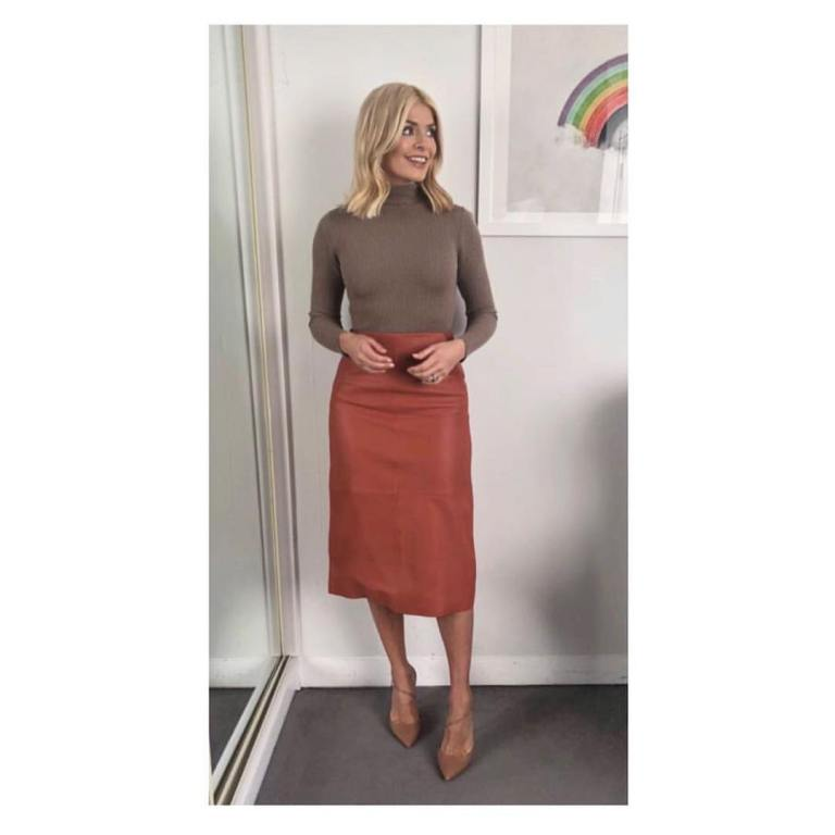 Holly Willoughby outfit This Morning February 2018 brown polo neck jumper tasn leather skirt beige shoes