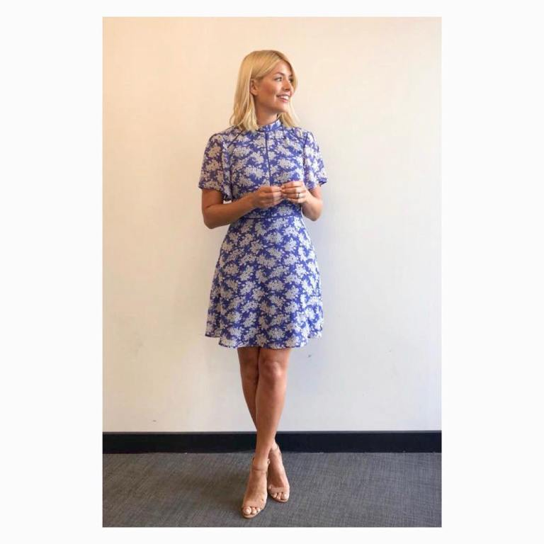 Holly Willoughby This Morning style outfit blue and white print dress nude sandals June 2018