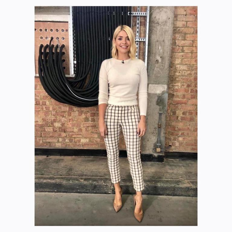 Holly willoughby This morning outfit today cream ivory check trousers cream jumper nude court shoes October 2018