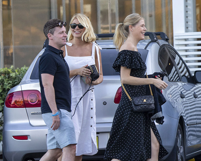 where to get Holly Willoughby white dress black buttons Australia 12 November 2018