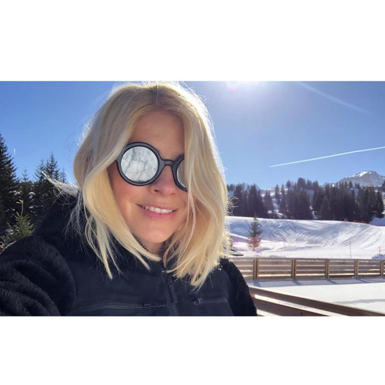 where to get Holly Willoughby black fur ski jacket rund sunglasses February 2019 photo holly Willoughby