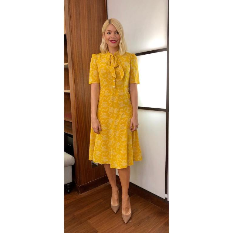 where to get holly Willoughby This Morning outfit today yellow bow print tea dress nude court shoes MArch 209 photo Holly Willoughby