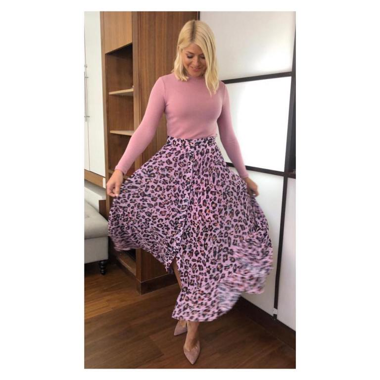 where to get Holly Willoughby This Morning outfit today pink top pink leopard print skirt nuded suede court shoes May 2019 photo Holly Willoughby