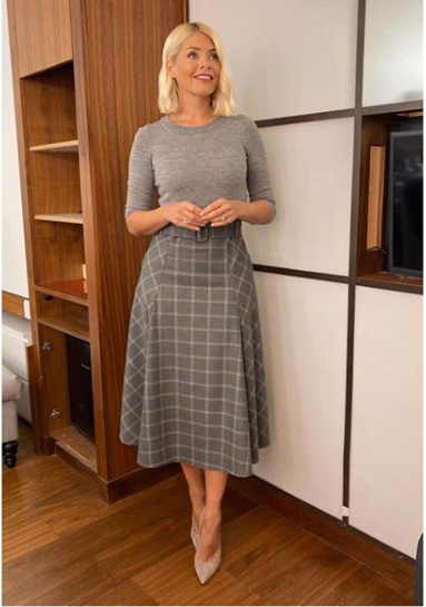 Holly Willoughby grey check midi skirt grey jumper grey court shoes This Morning outfit blog October 2019 Photo Holly Willoughby