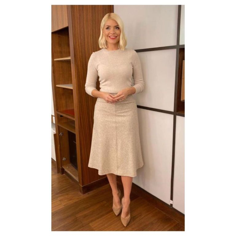 how to find Holly Willoughby beige midi skirt beige knit This Morning outfit today October 2019 Photo Holly Willoughby