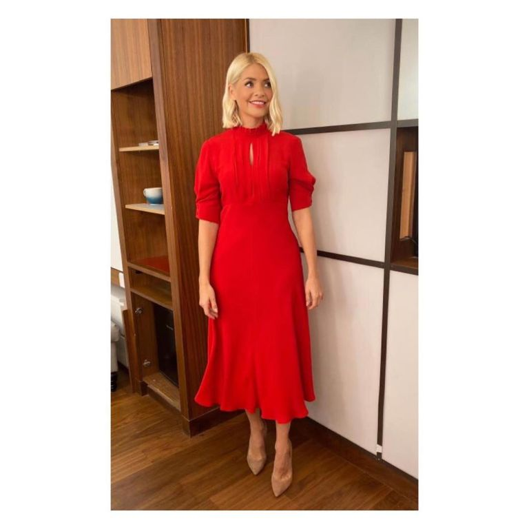 how to find Holly Willoughby red short sleeve dress This Morning October 2019 Photo Holly Willoughby