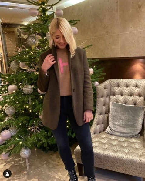 where to get holly willoughby brown and pink H jumper Christmas Shopping with Keith Lemon 16 December 2019 Photo Holly Willoughby
