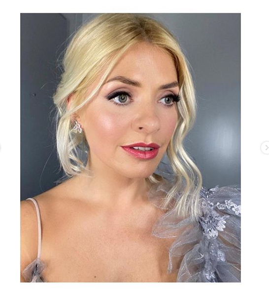 where to get Holly Willoughby Dancing on Ice earroings 2 February 2020 Photo Holly Willoughby