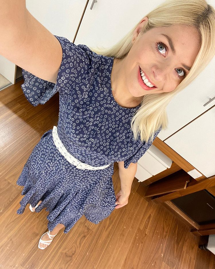 where to get holly Willoughby this Morning dresses navy and white floral dress white belt 7 July 2020 photo Holly Willoughby