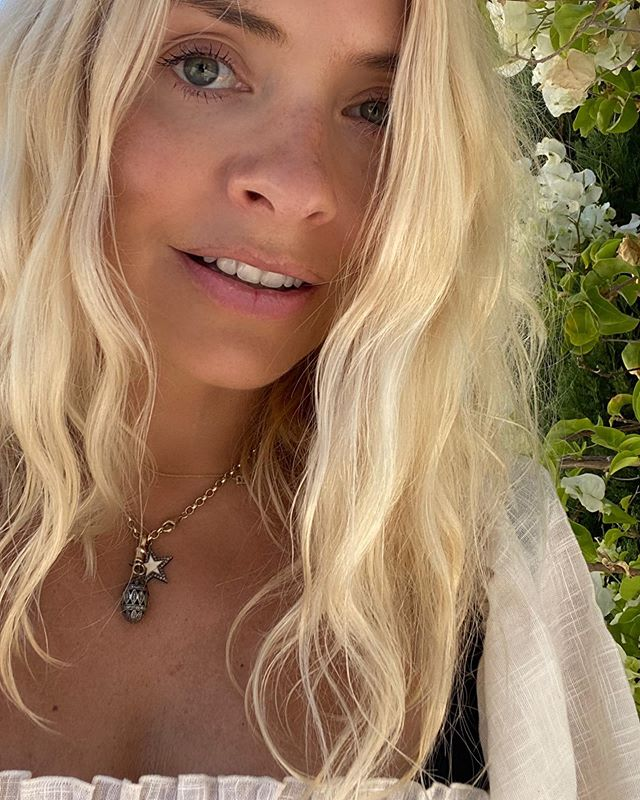 where to get Holly Willoughby egg and star necklaces 1 August 2020 Photo Holly Willoughby