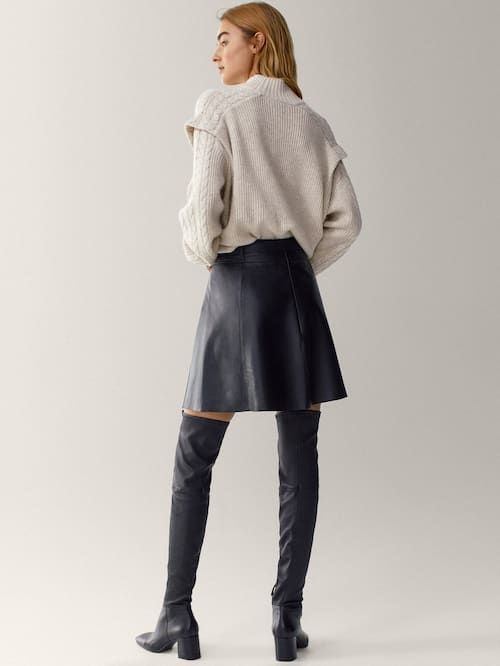 Massimo Dutti Black Leather Short Skirt With Belt back view