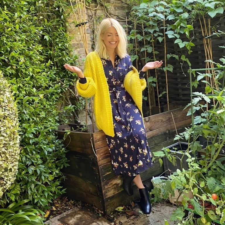 where to get Holly willoughby blue navy floral shirt dress yellow cardigan 19 September 2020 Photo Harry
