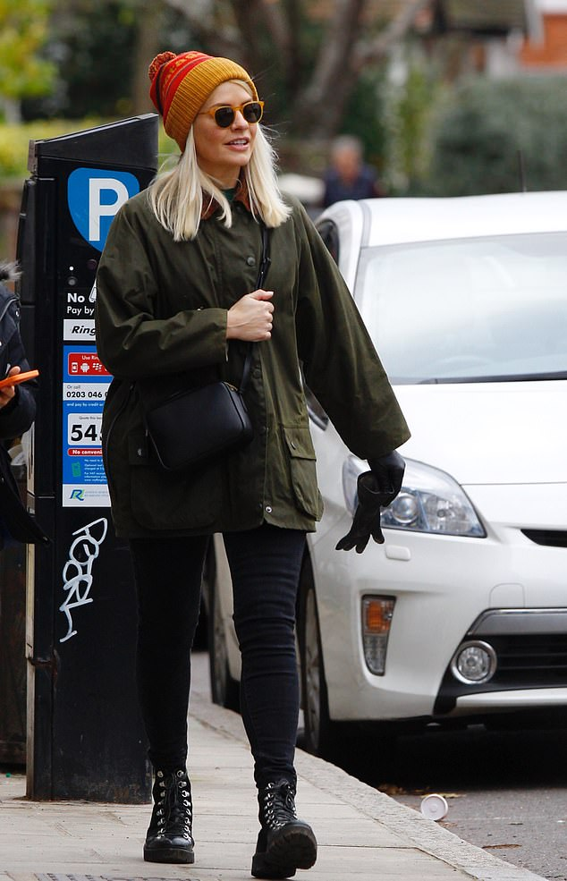 where to get holly Willoughby green wax jacket black biker boots 22 November 2020