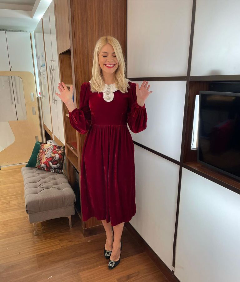 where to get all Holly Willoughby This Morning dresses red velvet dress white collar black slingbacks 25 December 2020 Photo Holly Willoughby