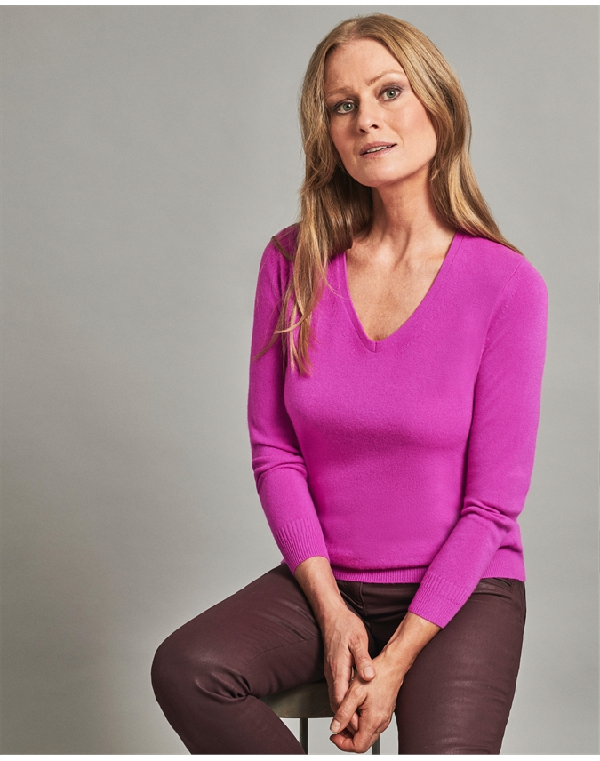 Pure Collection Cashmere Straight Fit V Neck Sweater