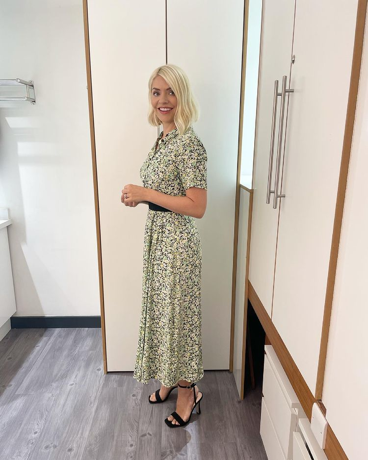where to get all Holly Willoughby This morning dresses green floral shirt dress black sandals 28 June 2021 Photo Holly Willoughby