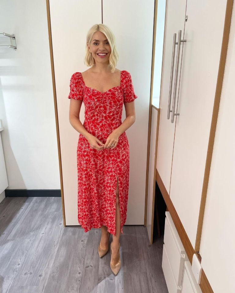 where to get all Holly Willoughby this Morning dresses red and white floral print puff sleeve midi dress 23 June 2021 Photo Holly Willoughby
