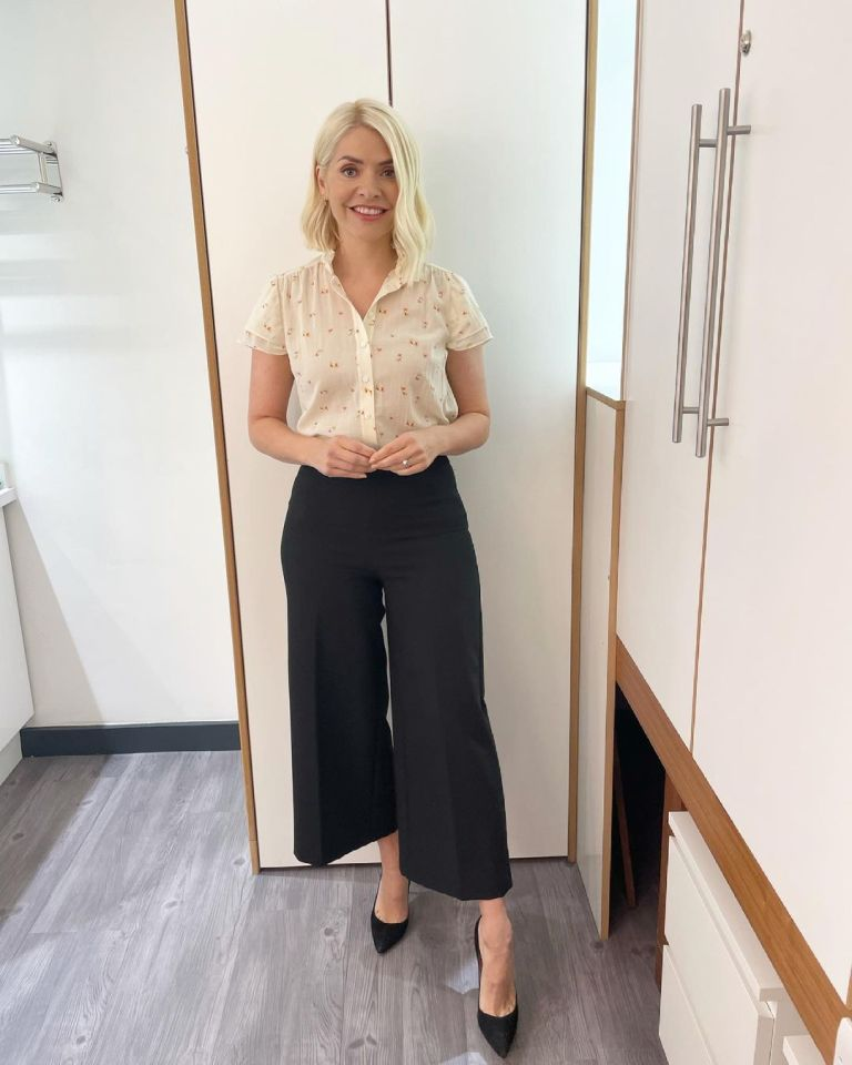 where to get all holly Willoughby This Morning outfits cream floral forget me not blouse black culottes black suede court shoes 7 July 2021 Photo Holly Willoughby